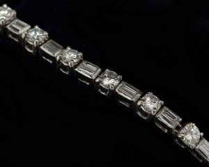 Best store to buy platinum diamond bracelets