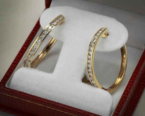 Where to buy Gold Diamond Earrings in Canton Ohio